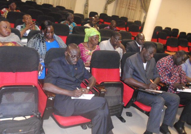 L'assistance au cours du point de presse bilan de la participation du Burkina à la COP21