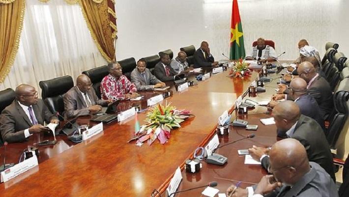 A une session de conseil des ministres burkinabè