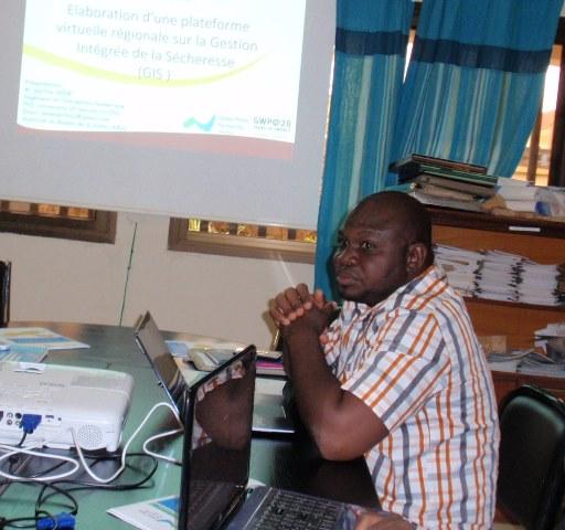 Le consultant Salifou Déné a présenté la structure virtuelle de la plateforme