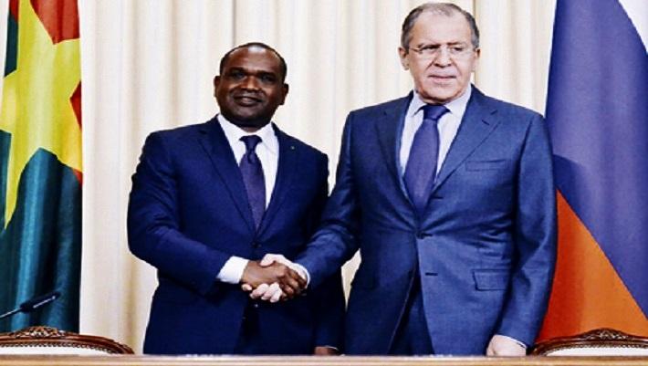 Alpha Barry et son homologue russe Sergueï Lavrov ne semblent pas regarder dans la même direction. Alors le rapprochement diplomatique sera-t-il mutuellement bénéfique pour le Burkina Faso et la Fédération de Russie qui n'a pas encore d'ambassade à Ouaga ?
